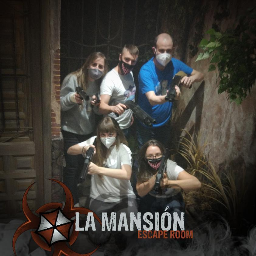 Escape Room Life en la mansión time skp